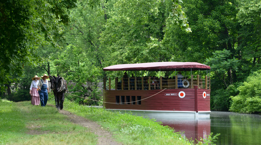 Historic mule-drawn canal boats on the Delaware & Lehigh trail